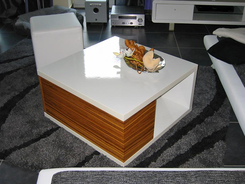 wohnzimmertisch mit schublade couchtische massivum. Black Bedroom Furniture Sets. Home Design Ideas